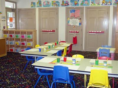 preschool_chairs_2006_2_medium.jpg (400x300)px