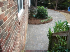 Wilkins_back_patio_after_small.JPG (225x169)px