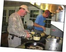 Camping_cooking_small.jpg (225x177)px