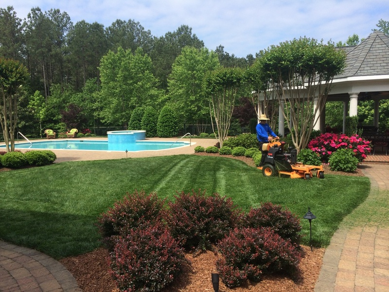 Residential landscape maintenance bristow landscaping for Landscape design raleigh